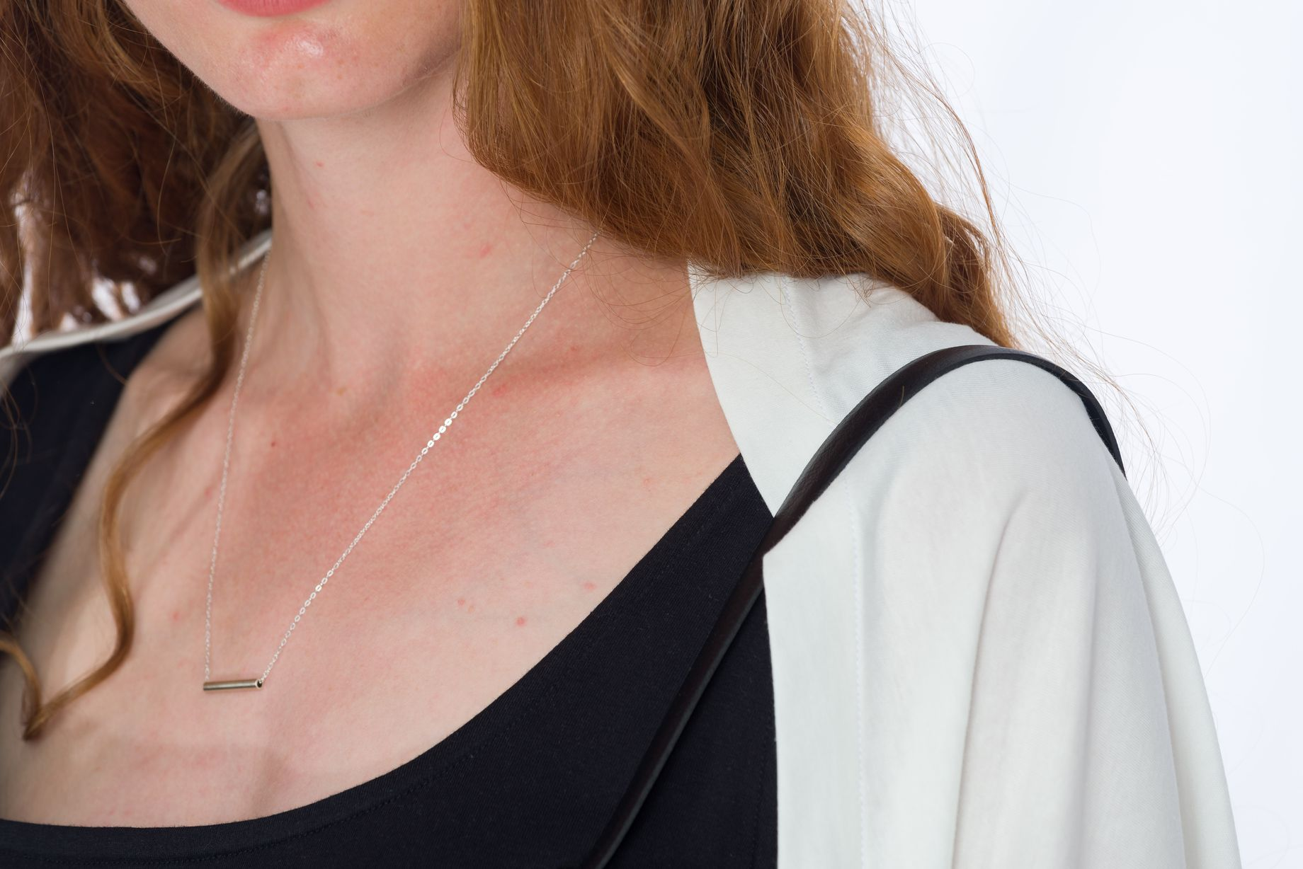 Cardigan White _ Silberrohr-Silberkette
